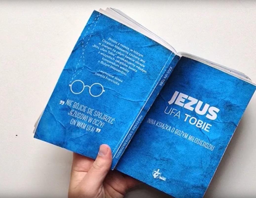 Co zrobić, żeby religijna książka dla młodzieży nie była nudna? Oddaj ją w nasze ręce! / DAYENU DESIGN CHRZEŚCIJAŃSKI