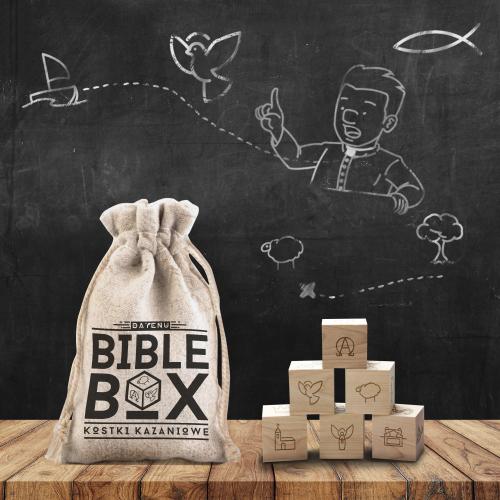 Bible Box to kostki kazaniowe dla księży i nie tylko! Szukasz kazania w internecie? Z tą śmieszną grą religijną DAYENU DESIGN potrenujesz biblijne opowieści. Story cubes w wersji chrześcijańskiej!