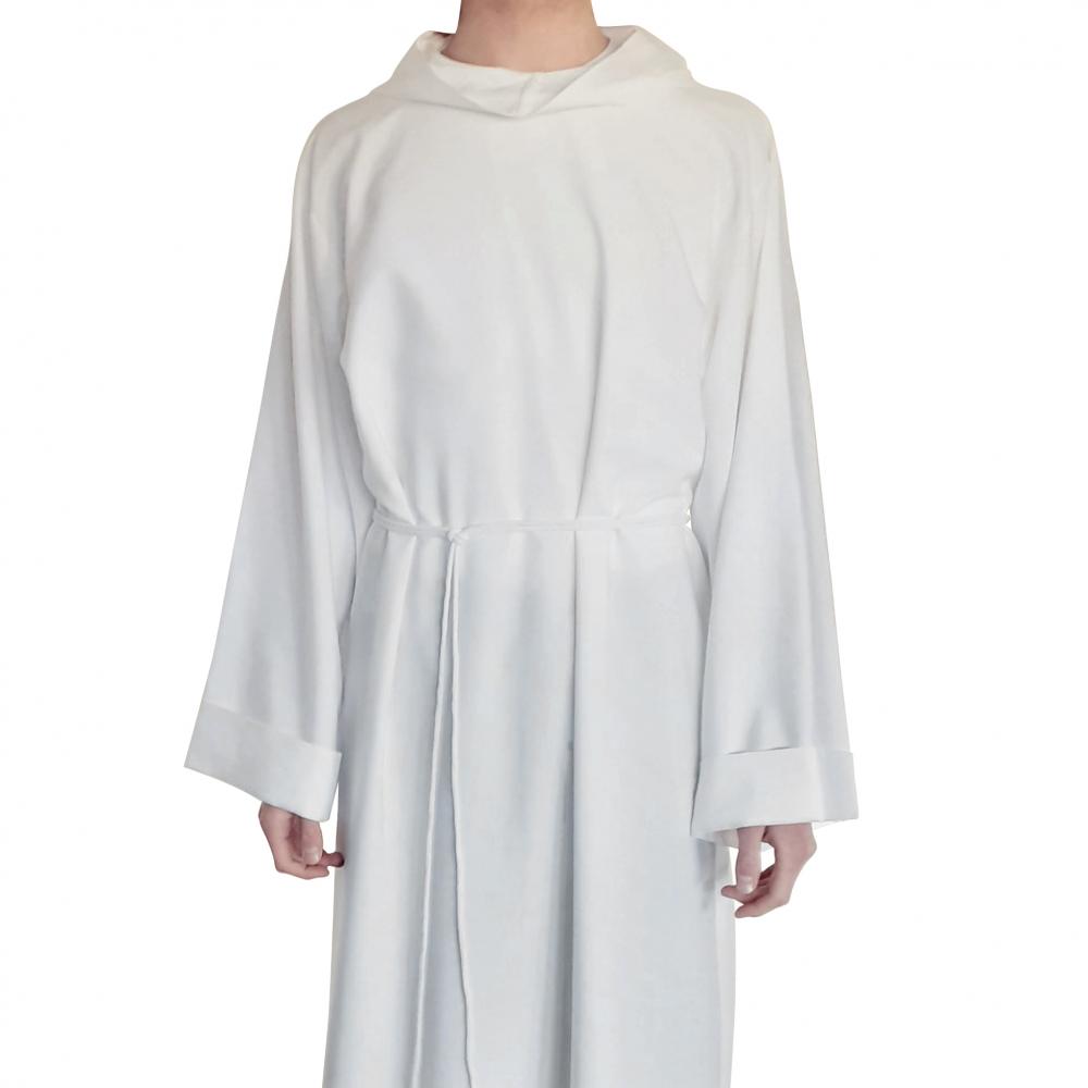 Biała alba dla lektora, szyta w Polsce, wysoka jakość tkaniny, naturalny len, przewiewna, ale nie prześwitująca. Projekt DAYENU DESIGN