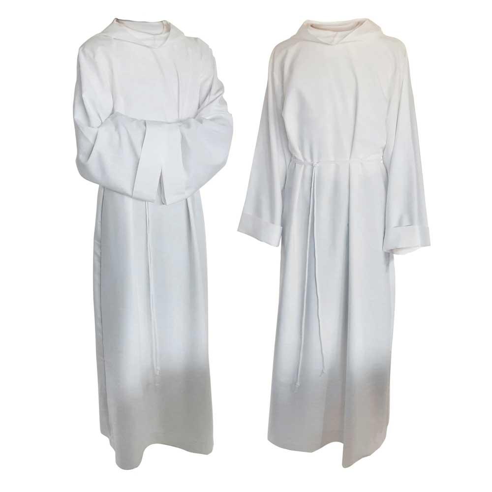 Alby lektorskie to białe szaty, które są marzeniem każdego ministranta. Dla wszystkich księży, lektorów, diakonów, akolitów DAYENU poleca alby z naturalnej tkaniny